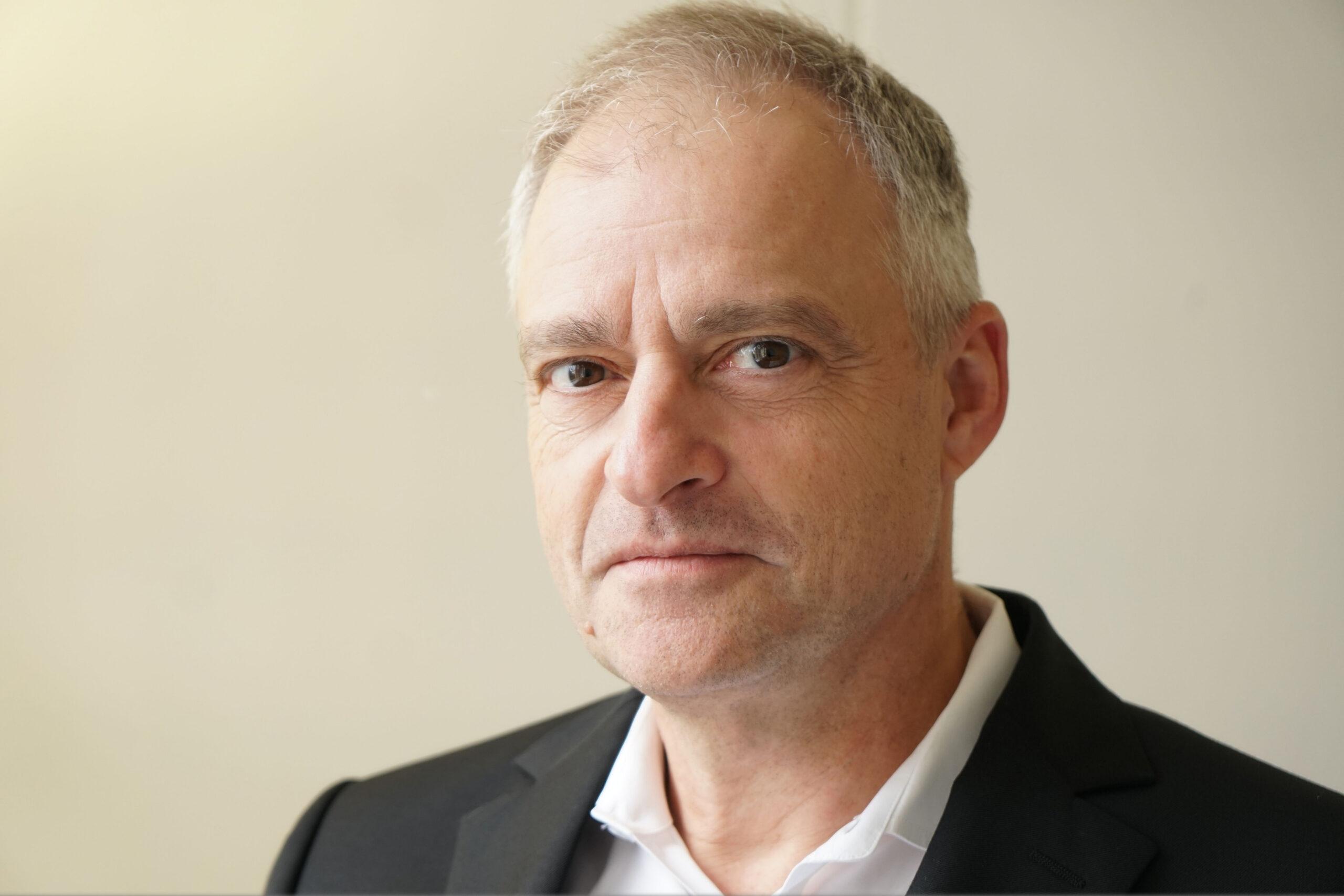 Peter Güntert